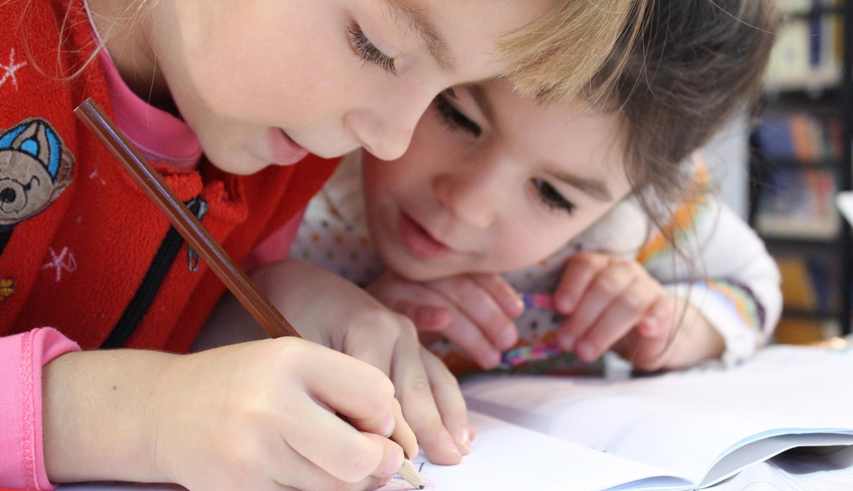 preschoolers learning to write